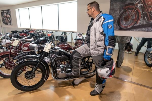2018-12-27-kaernten-seppenbauer-automuseum-motorcyclepicx1B96EA63-5414-05F1-DF6E-6D451FAF7CA6.jpg