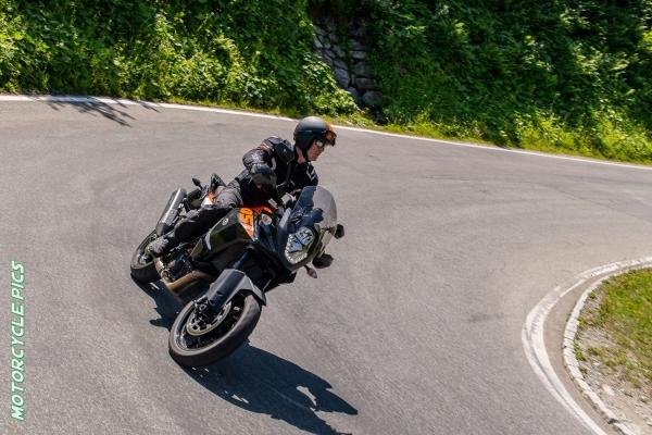 2020-07-lbt8-let-s-bike-together-motorradtour-mit-jan-in-tirol2522956D-0BDB-D855-72DC-8AE72DDFD46F.jpg