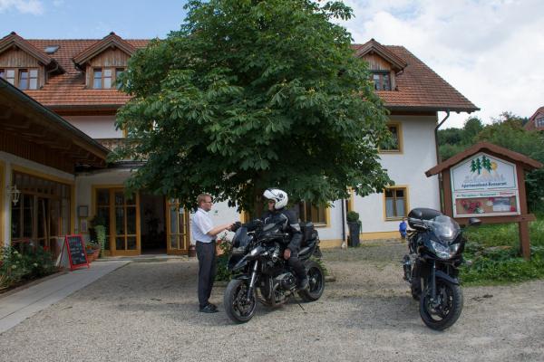 2020-12-panoramahotel-schwarzeck-2BEF7B2DD-DDE6-172A-78C1-D0E22B0DAA3A.jpg