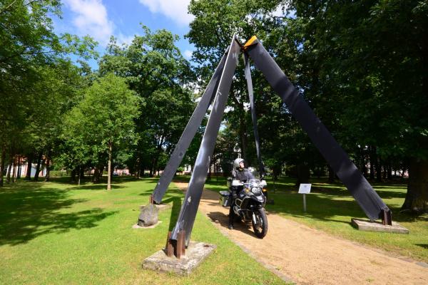 2021fliegerdenkmal-hohenlockstedt-frank-sachau9AFA9B65-1C09-0CD2-8BEF-2CDC61925945.jpg
