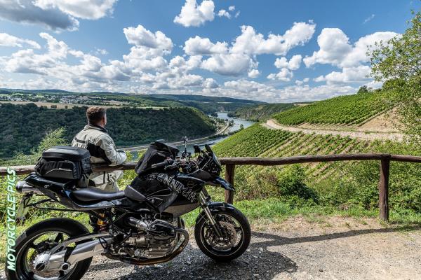 Motorradfahren im Rheingau ©Peter Wahl