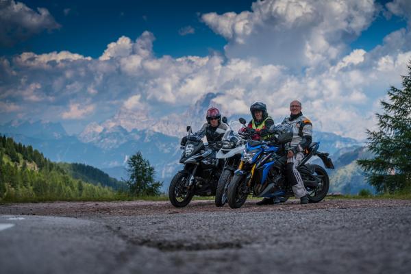 Motorradfahren in den Dolomiten ©MOPPETFOTO.de
