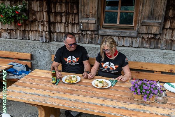 Motorradtouren mit Astrid und Christian - Grizzly Sport & Motorrad Resort und BMW Testride Hotel ©Peter Wahl