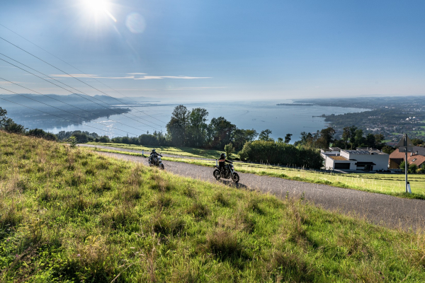 Motorrad fahren - Pfänder mit Bodenseeblick © Peter Wahl