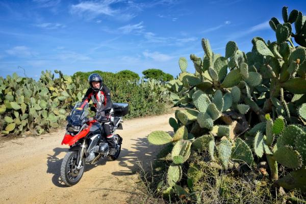 Motorrad fahren - Sardinien - Piste bei Capo Ferrato © Heinz E. Studt