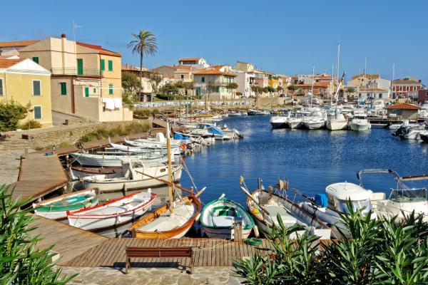Motorrad fahren - Sardinien - Hafen von Stintino © Heinz E. Studt