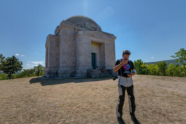 Motorrad fahren - Kroatien -  Mausoleum Mestrovic© Peter Wahl
