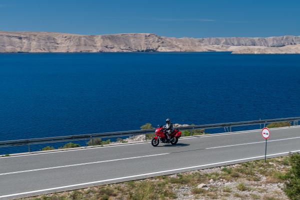 Motorrad fahren - Kroatien - Küstenstraße © Peter Wahl