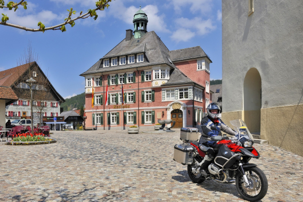 Motorrad fahren - Schwarzwald - Lenzkirch- MOTORRADSTRASSEN Ausgabe 2/2021© Heinz E. Studt