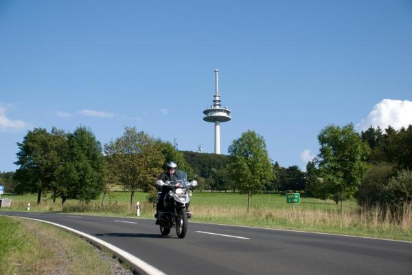 Motorrad fahren im Vogelsberg - Hoherodskopf © motorradstrassen